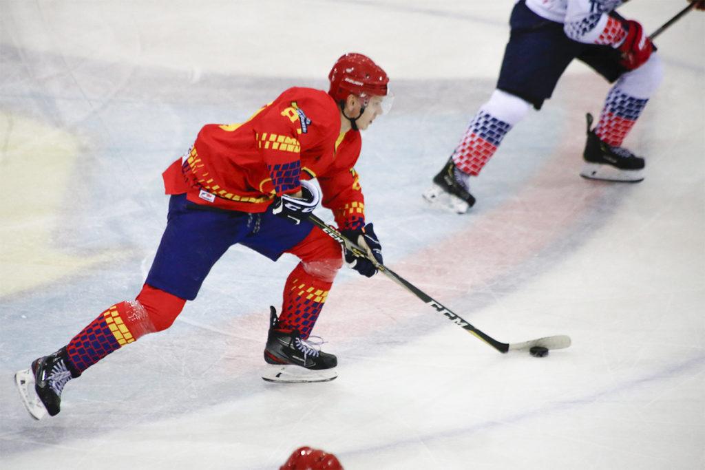Хоккейный клуб «Лида» на своем льду уступил жлобинскому «Металлургу».