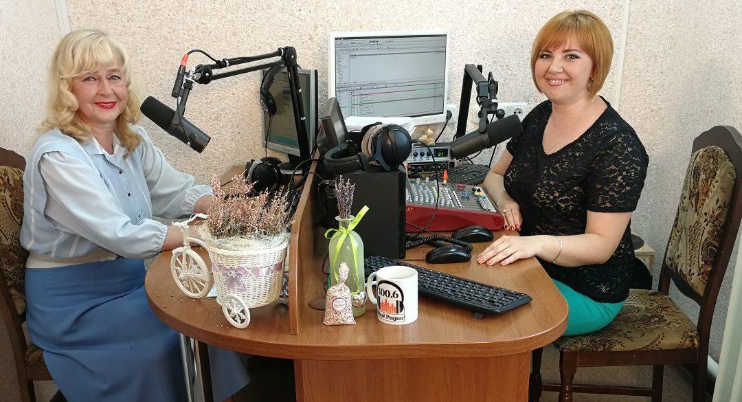 Руководитель, музыкант и солистка семейного ансамбля «Сахонь» Лидия Сахонь.