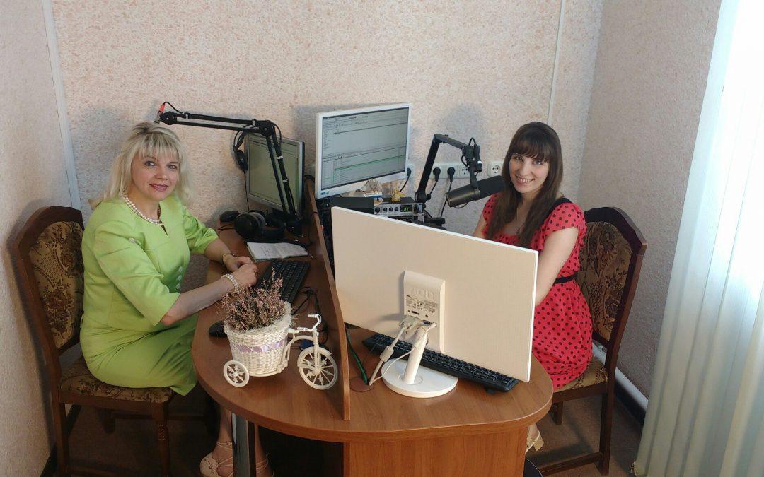Солистка эстрадного коллектива ретро-песни «Меридиан» Дворца культуры города Лиды – Тереза Миндюлис.