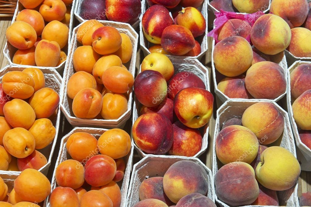 depositphotos_47012477-Fresh-peaches-and-apricots