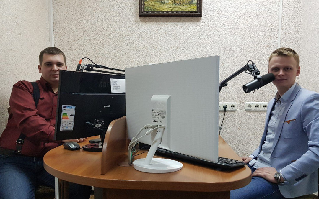 Сегодня у нас в гостях музыкант, певец, радио- и телеведущий Михаил Кузнецов.