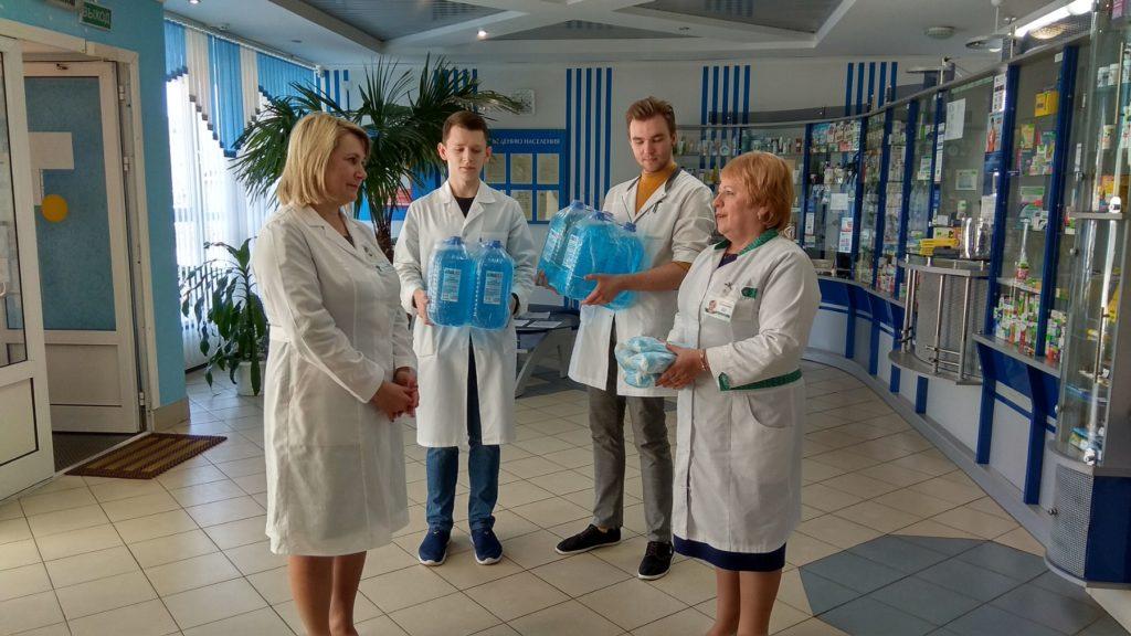 350 литров дезсредства и 3 тысячи одноразовых санитарно-гигиенических масок.