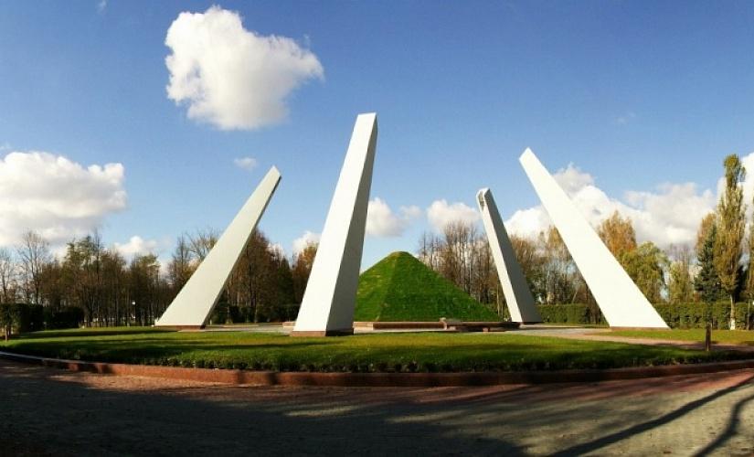 Финальным аккордом акции «Беларусь помнит. Помним всех» в Лидском районе станет митинг-реквием, посвященный 75-летию Победы.