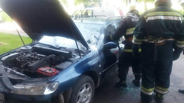 Сегодня утром в Лиде по улице Варшавской горел автомобиль.