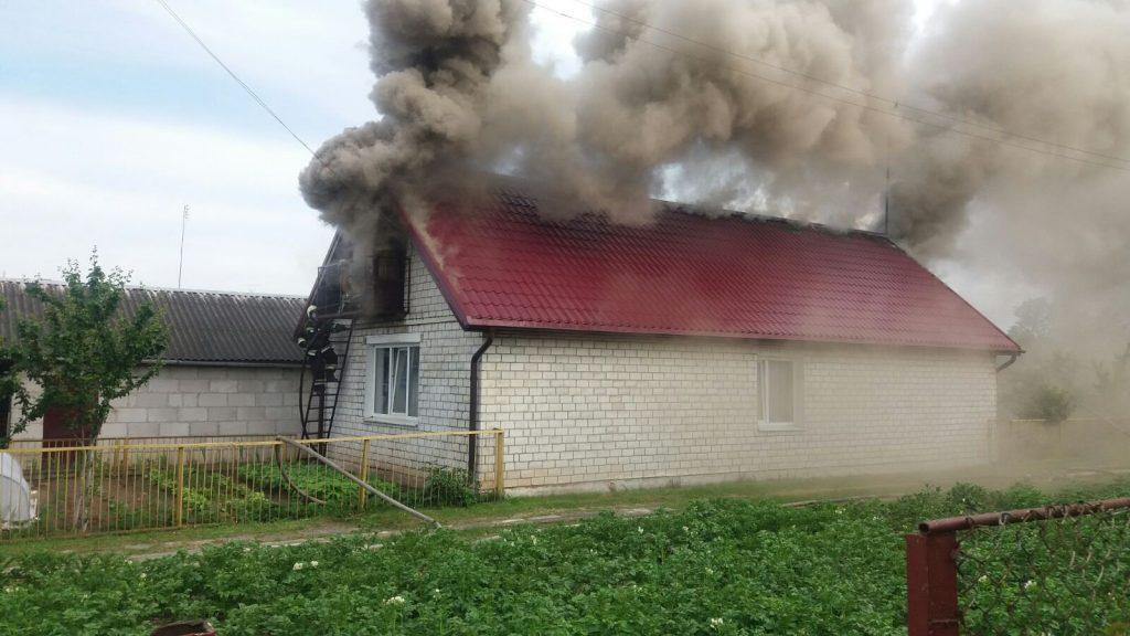 Жилой дом горел в Лиде по проспекту Победы.