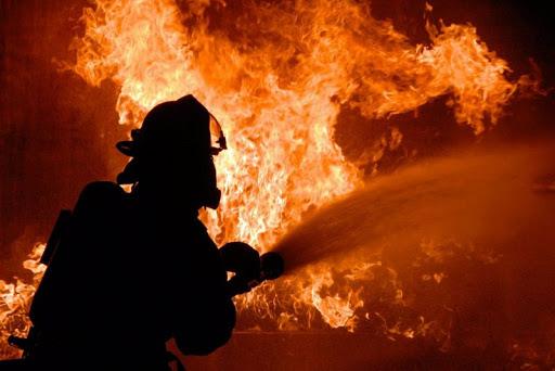 Лидские спасатели вчера поздно вечером выезжали на тушение пожара.