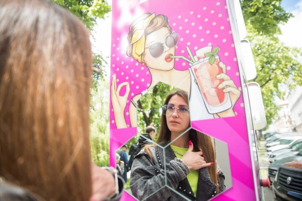 Электрозаправка для женщин появилась в Минске