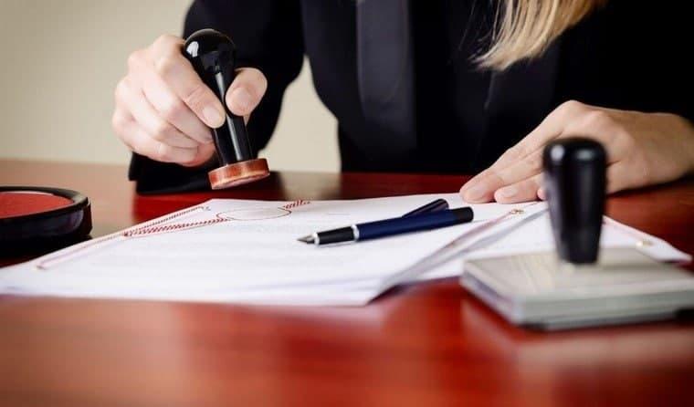 Нотариусы сегодня бесплатно консультируют граждан по вопросам, связанным с совершением нотариальных действий