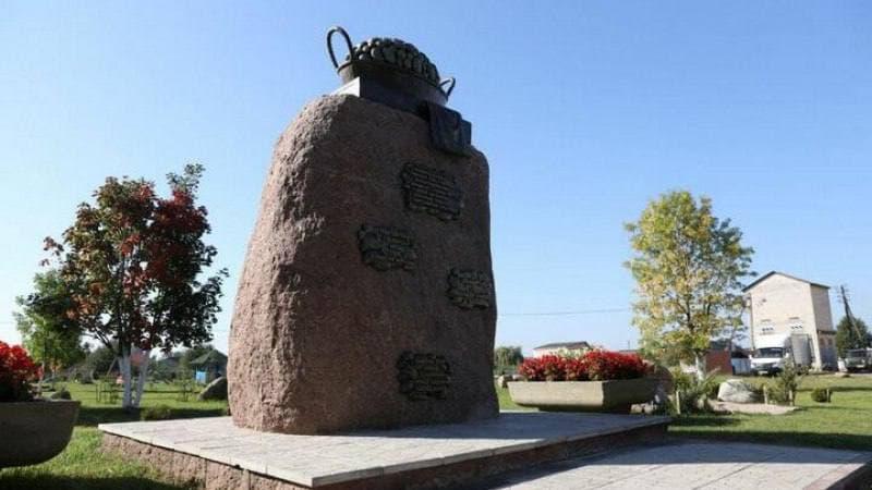 В Беларуси поставили памятник картошке